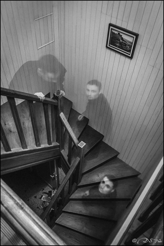 Les trois fantômes de l'escalier 20141227145709-46904c41