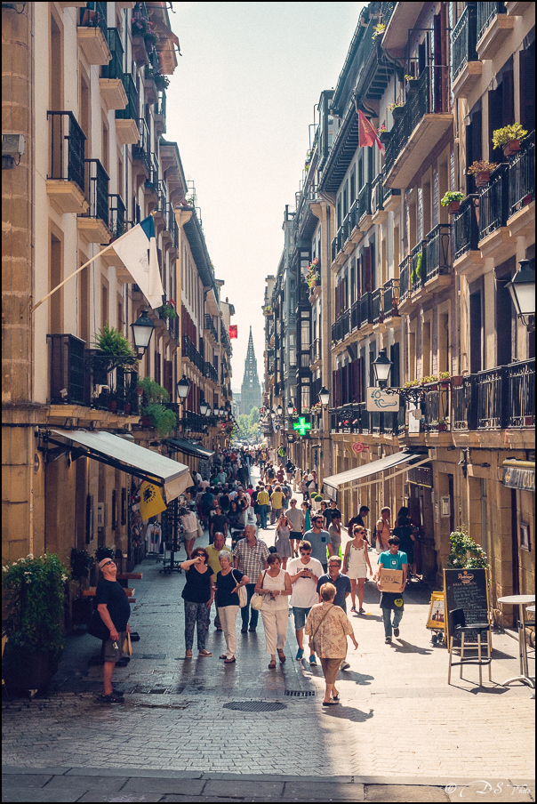 [SERIE] Ambiances de rue, de Biarritz à San Sebastian... [+ Ajouts] 20170105195530-ea7fba8f