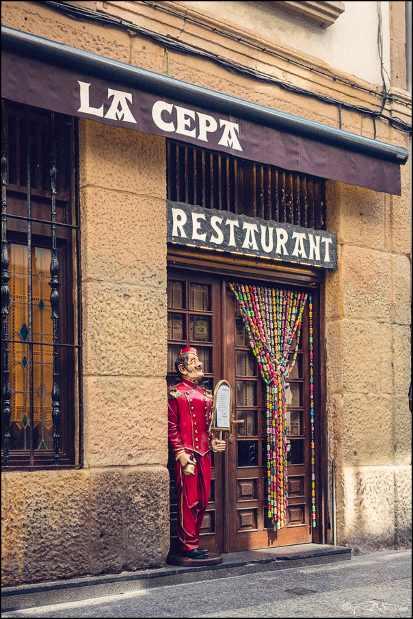 [SERIE] Ambiances de rue, de Biarritz à San Sebastian... [+ Ajouts] 20170105195621-8f012724