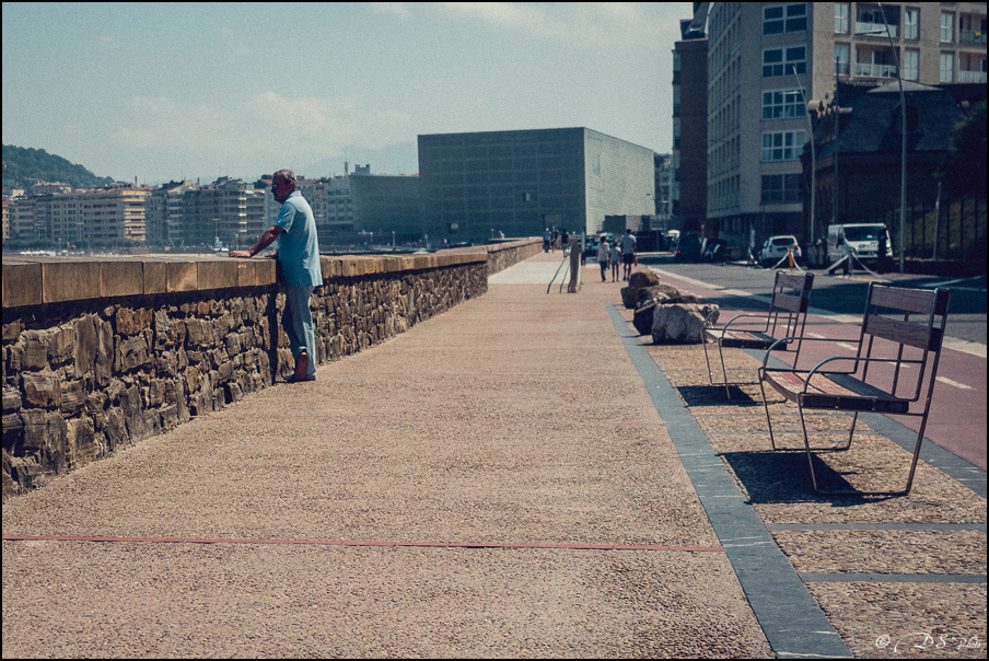 [SERIE] Ambiances de rue, de Biarritz à San Sebastian... [+ Ajouts] 20170105195641-36f243c8
