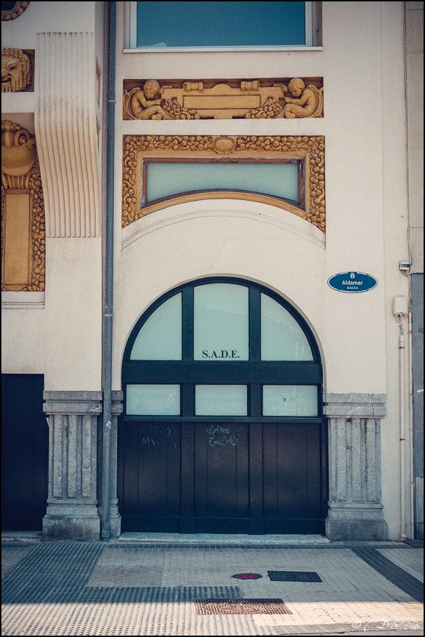 [SERIE] Ambiances de rue, de Biarritz à San Sebastian... [+ Ajouts] 20170105195646-92b26be0