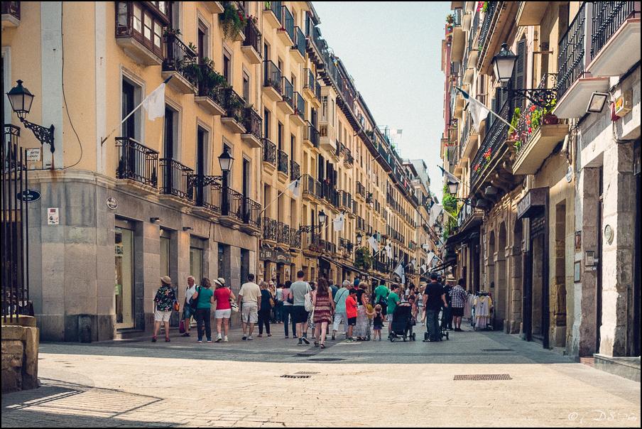 [SERIE] Ambiances de rue, de Biarritz à San Sebastian... [+ Ajouts] 20170105195654-adc16741
