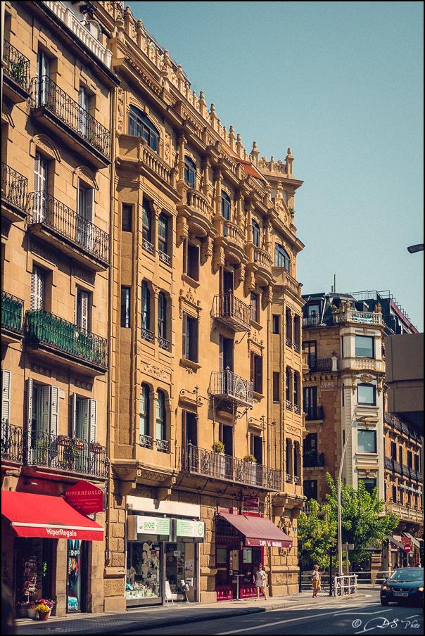 [SERIE] Ambiances de rue, de Biarritz à San Sebastian... [+ Ajouts] 20170105195848-1a337b74