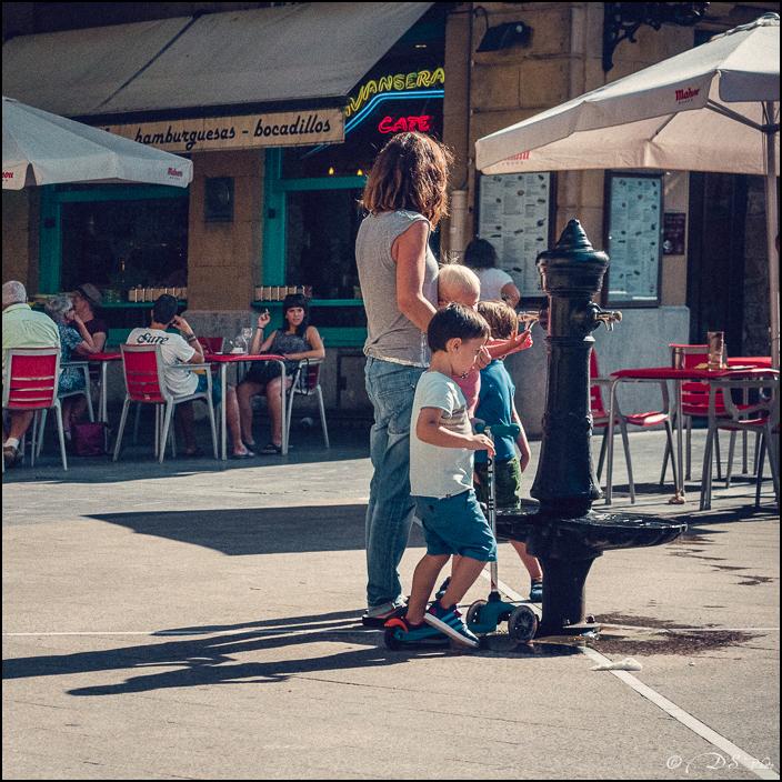 [SERIE] Ambiances de rue, de Biarritz à San Sebastian... [+ Ajouts] 20170105200018-f08962f0